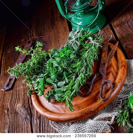 A Fresh Herbal Collection Of: Thyme,oregano, Rosemary