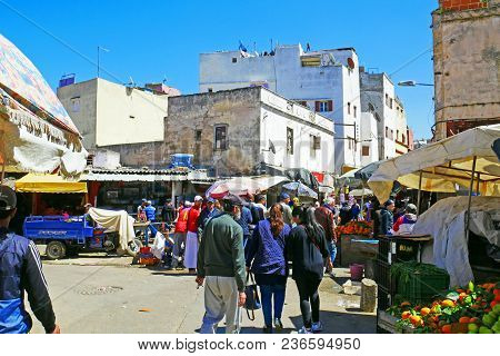 Casablanca, Morocco - April 3, 2018: Crowd Of People At An Old Market In Medina District In Casablan