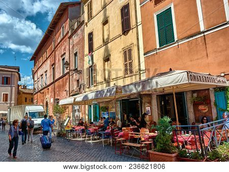 Rome, Italy - May 17, 2017: Generic Roman Architecture And Places To Eat In Trastevere, Rome, Italy.