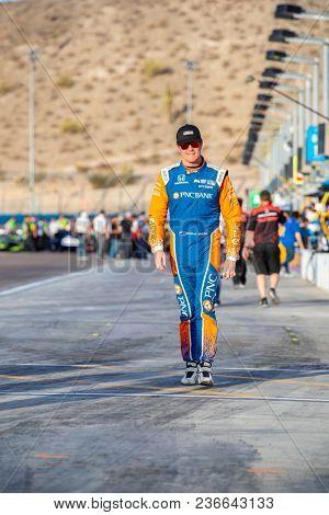 April 06, 2018 - Avondale, Arizona, USA: Scott Dixon (9) prepares to qualify for the Desert Diamond West Valley Casino Phoenix Grand Prix at ISM Raceway in Avondale, Arizona.