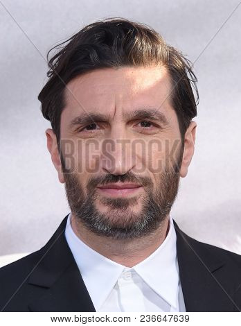 LOS ANGELES - APR 16:  Fares Fares arrives for HBO's
