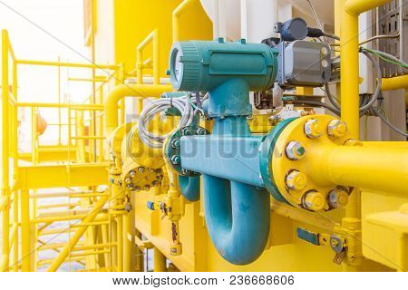Coriolis Flow Meter Or Mass Flow Meter For Measurement Of Oil And Gas Fluids In Pipe Line This Commo