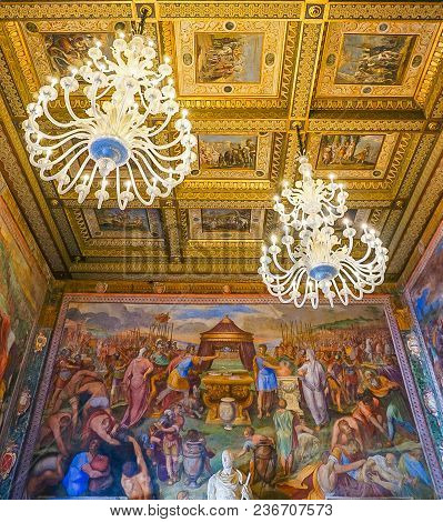 Rome, Italy- October 10, 2017:  The Hall Of Captains Ornate Ceiling, Lighting And Frescoes In The Co