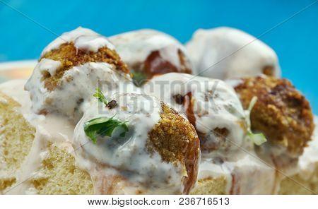 Turkish Ravioli - Papara,bayat Ekmek Yemegi,turkish Food