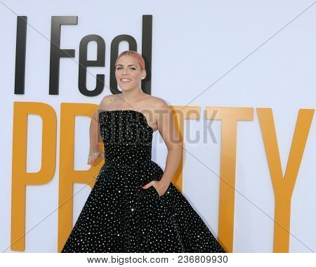 LOS ANGELES - APR 17:  Busy Philipps at the