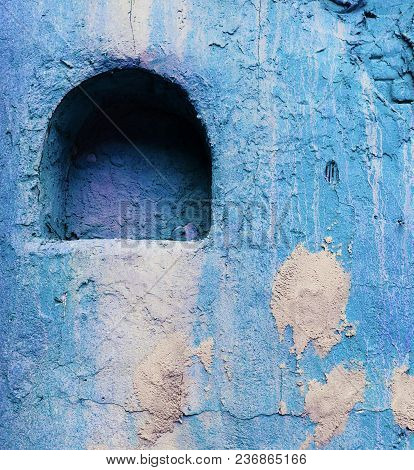 Old Style Wall Decor Niche Deep Blue Colored Vibrant
