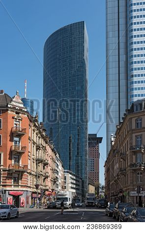 Frankfurt, Germany-april 18, 2018: Skyscraper Building On The Taunusstrasse In Frankfurt, Germany