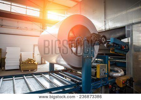 Industrial Galvanized Steel Roll Coil For Metal Sheet Forming Machine In Metalwork Factory Workshop,