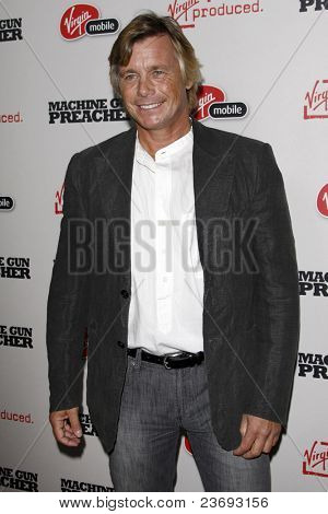 LOS ANGELES - SEPT 21:  Christopher Atkins arriving at the