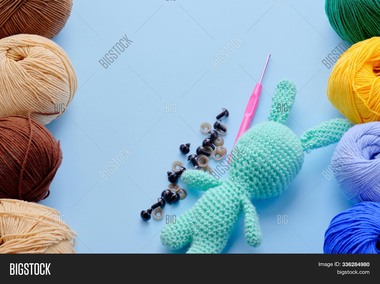 Change yarn color amigurumi - YouTube   1120x1500