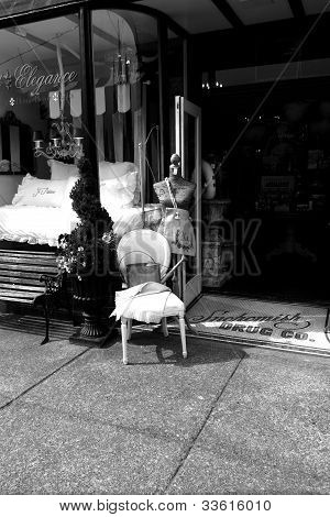 Classic store front(B&W)