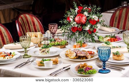 Beautiful Restaurant Interior Table Decoration For Wedding Or Event. Flower Wedding Table Decoration