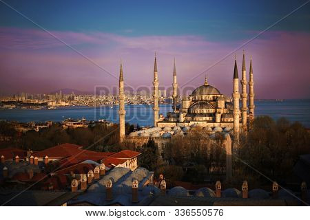 Famous Blue Mosque Sultanahmet In Istanbul, Turkey. Sunset, Sunrise, Beautiful Sky And Bosphorus Vie