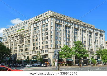 Washington Dc - Jun. 23, 2014: Modern Buildings On Pennsylvania Ave Nw At 11th Street Nw In Metro Ce