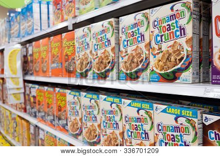 Detroit, Usa - November 29, 2019: Grocery Store Shelf With Boxes Of Various Brands Of Breakfast Cere