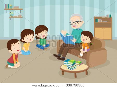 Grandparents With Grandchildrens Reading,the Grandchildrens Read Books For The Grandfather To Sit On