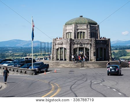 Corbett, Or, Usa - July 23, 2017: Crown Point Vista House, A Museum And Observation Point In Columbi