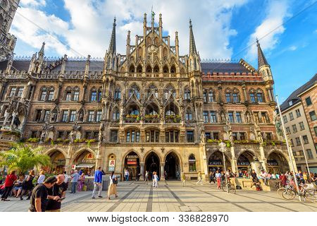 Munich, Germany - Aug 1, 2019: Famous Old Marienplatz Square In Munich. Beautiful Facade Of Gothic R