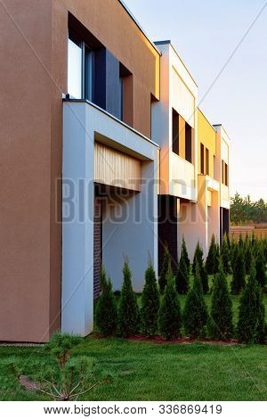 Apartment Residential Town House Architecture And Outdoor Facilities