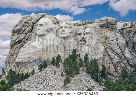 Presidents Carved Into The Black Hills Of South Dakota In Mount Rushmore National Park