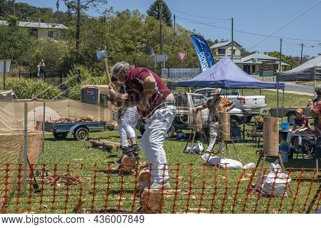 Eungella, Queensland, Australia - October 2021: Wood Chopping Event At A Rural Country Fair On A Hot