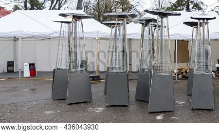 Gas Heaters For Patio. Pyramid Winter Outdoor Gas Heaters. Infrared Gas Heaters For An Event With Pr