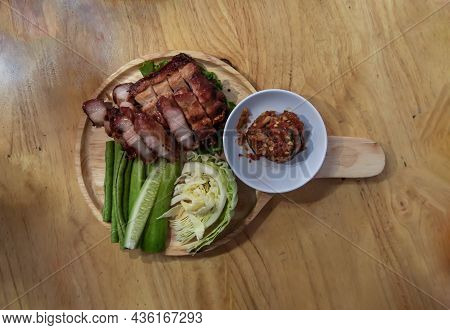 Charcoal-boiled Pork Neck (grilled Pork) And Vegetable (cucumber, Cabbage)served With Spicy Dipping