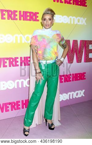 LOS ANGELES - OCT 8:  Frankie Grande at the