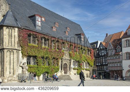 Quedlinburg, Germany - October 14, 2021: Historic City Hall Building At The Central Market Square Of