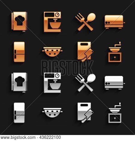 Set Kitchen Colander, Toaster, Manual Coffee Grinder, Cutting Board Meat Chopper, Refrigerator, Cros