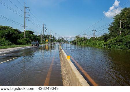 1,oct,2021,lopburi Thailand,road Flooding After A Monsoon Called Tien Mu Swept Through Thailand Caus