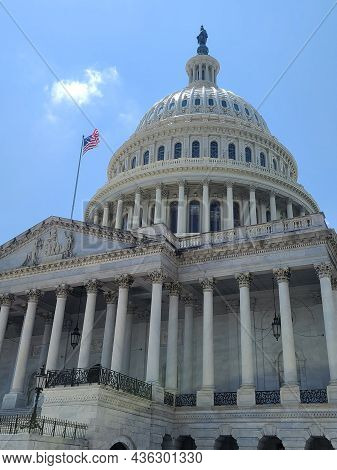 The Eastern Facade Of The United States Capitol Building, With A Close-up To The Main Entry To The H