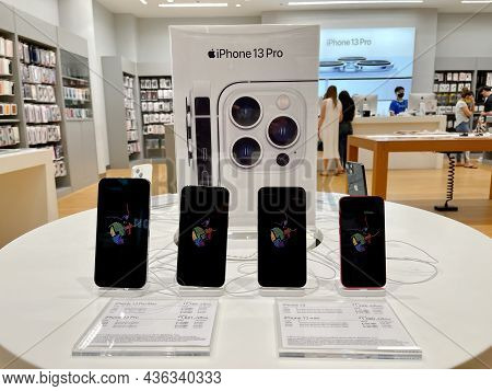 Bangkok, Thailand - October 13, 2021: Iphone 13 Series Are Shown To Sell In Istudio By Comseven - Em