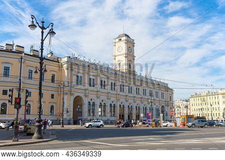 Saint Petersburg, Russia - June 06 10, 2021: View Of The Main Building Of The Moscow Railway Station