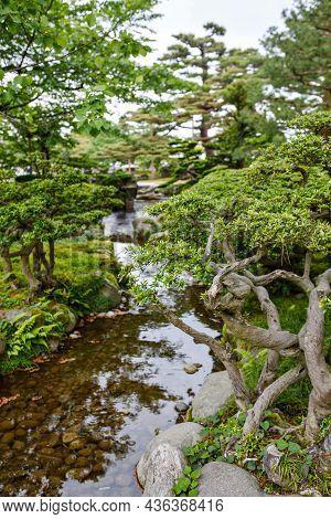 Kenroku-en Garden, Located In Kanazawa, Ishikawa, Japan, Is An Old Japanese Traditional Garden. Alon