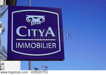 Bordeaux , Aquitaine  France - 10 10 2021 : Citya Immobilier Sign Text And Logo Brand Of French Real