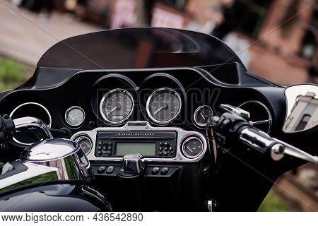 Minsk, Belarus, October 2021 -  Detail Of The Speedometer Of A Harley Davidson Motorbike