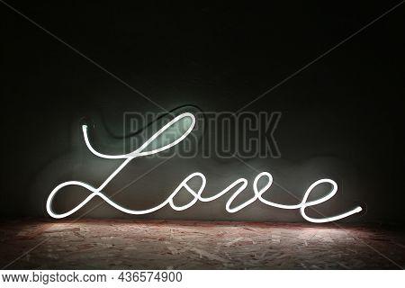 White Neon Sign Love. Trendy Style. Neon Sign. Custom Neon. Home Decor.