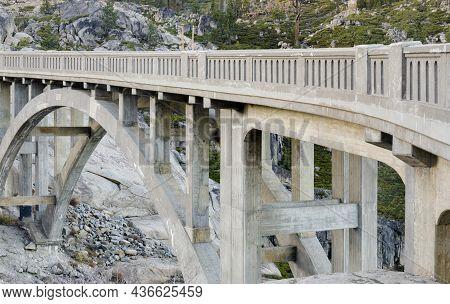 Donner Summit Bridge: Rainbow Bridge Over Donner Pass. Truckee, Nevada County, California, Usa.