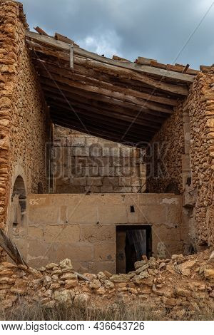 Typical Rural House Of The Island Of Mallorca, Made Of Stone And In A State Of Abandonment. Image Of