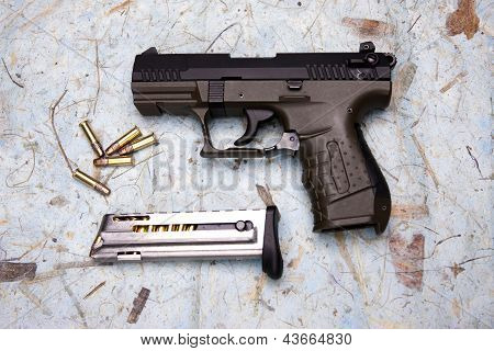 Overview Of Pistol And Ammo.