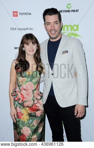 Jonathan Scott and Zooey Deschanel at the Environmental Media Association (EMA) Awards Gala held at the GEARBOX LA in Los Angeles, USA on October 16, 2021.