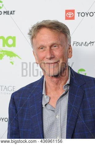 Peter Horton at the Environmental Media Association (EMA) Awards Gala held at the GEARBOX LA in Los Angeles, USA on October 16, 2021.