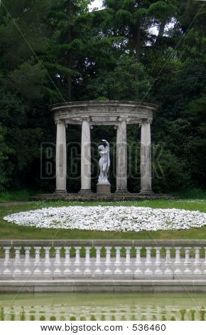 Romantic Statue
