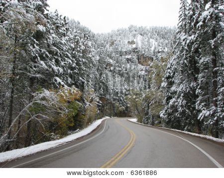 Driving Threw Spearfish Canyon