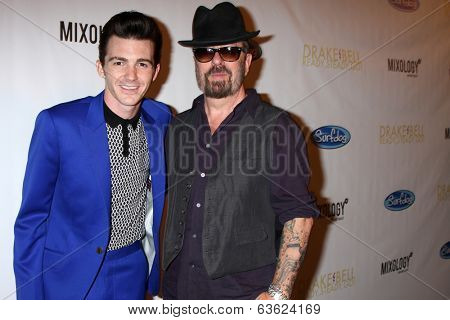 LOS ANGELES - APR 17:  Drake Bell, Dave Stewart at the Drake Bell's Album Release Party for