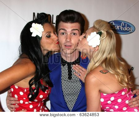 LOS ANGELES - APR 17:  Drake Bell, models at the Drake Bell's Album Release Party for
