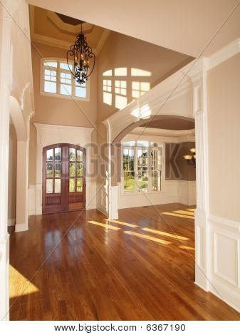 Model Luxury Home Interior Front Entrance Archway