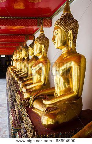 Goden Buddha At Wat Pho
