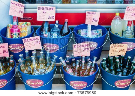 Shopping Drinks At The